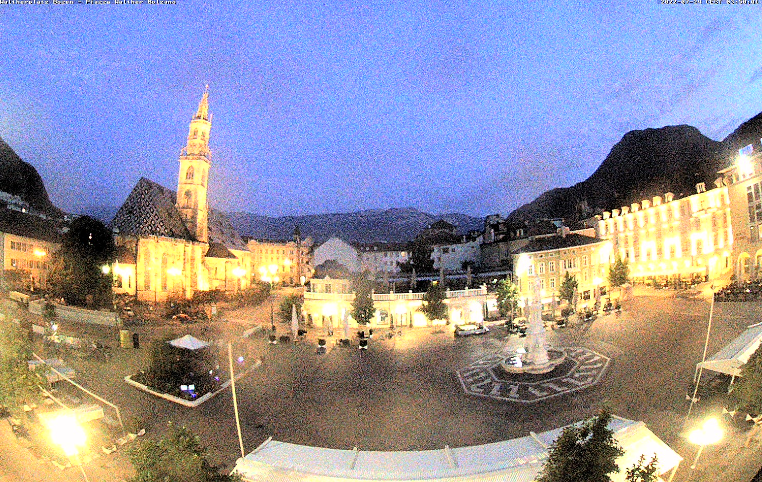 WEBCAM- Piazza Walther